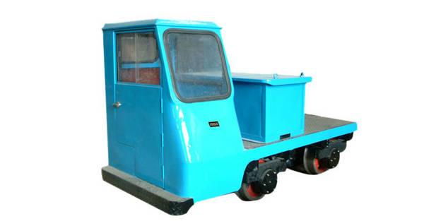 蓄电池轨道牵引车